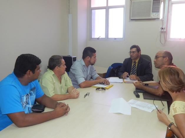 Reunião da Comissão Paritária que discute a implementação da Carreira dos Auxiliares de Campo